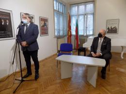 Работна среща на специалният пратеник на Правителството на РСМ д-р Владо Бучковски с изтъкнати културни дейци от Република България (фотография)